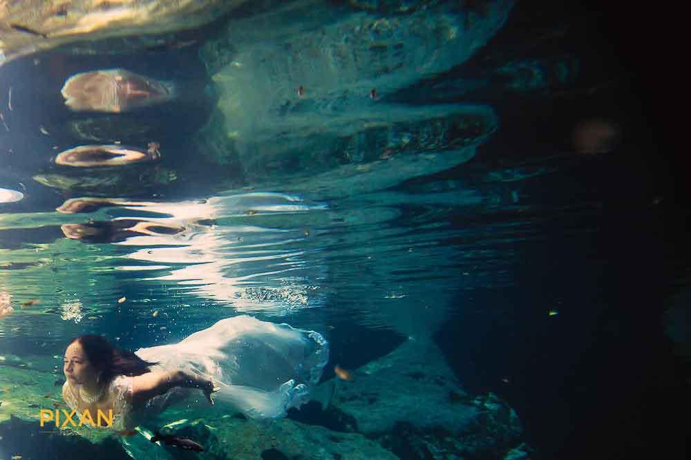 018cenote-trash-the-dress-riviera-maya