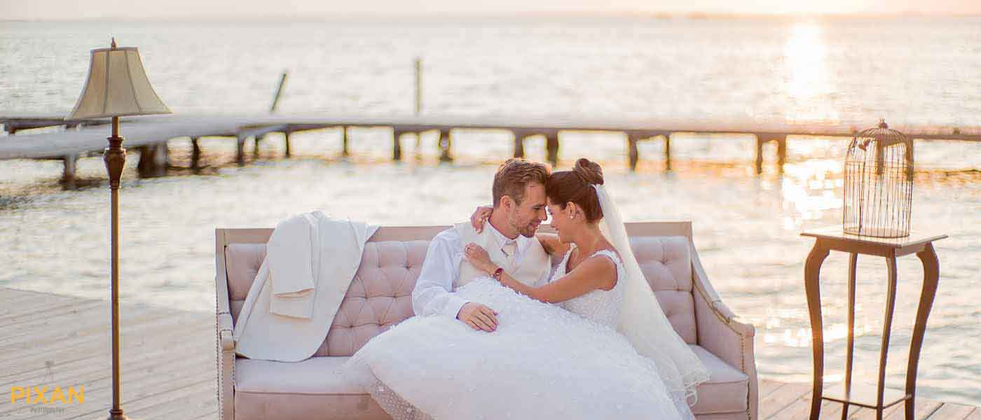 bridal-kiss-cancun-sunset