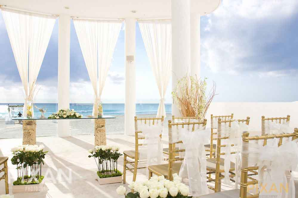 All white wedding decor for summer wedding