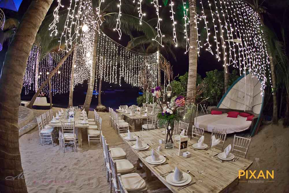 Outdoor handing wedding decorations