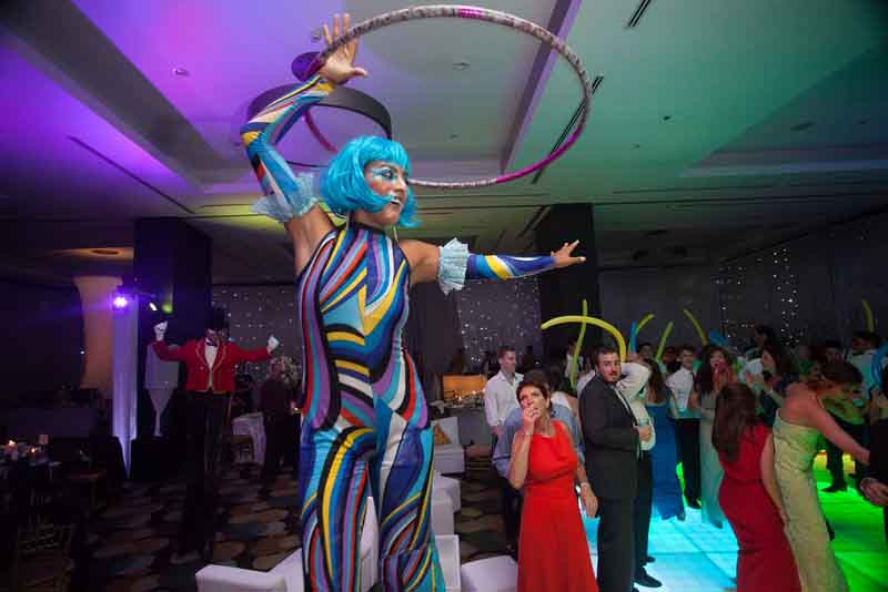 Mexico destination wedding with live carnival-like entertainment