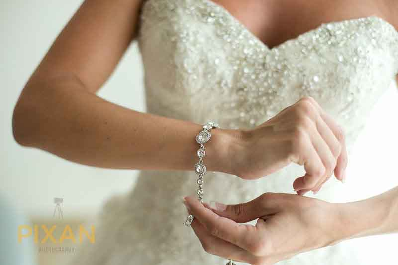Summer wedding accessories that sparkle