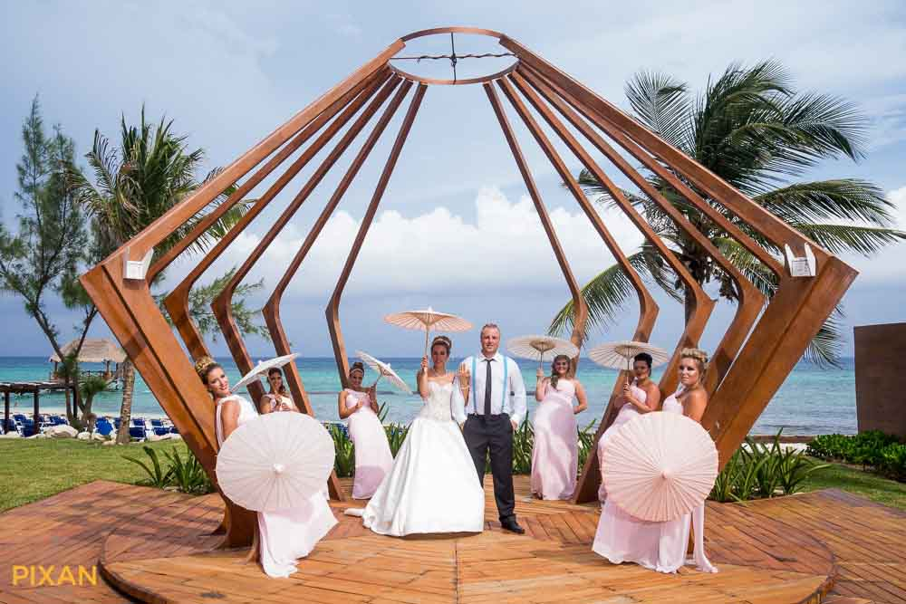 Parasols for outdoor summer wedding