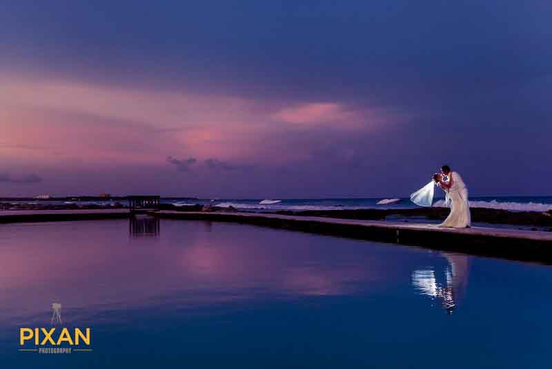 sunset wedding photo Grand Palladium Riviera Maya