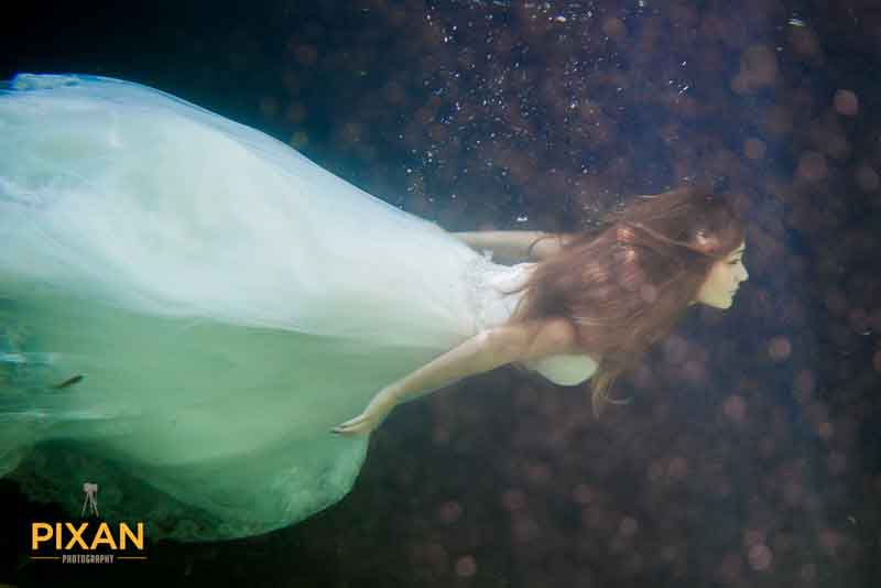 underwater bride Riviera Maya Cenote Trash The Dress