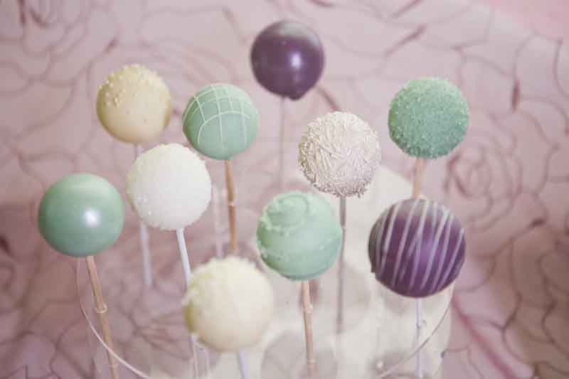 summer cake lollipops