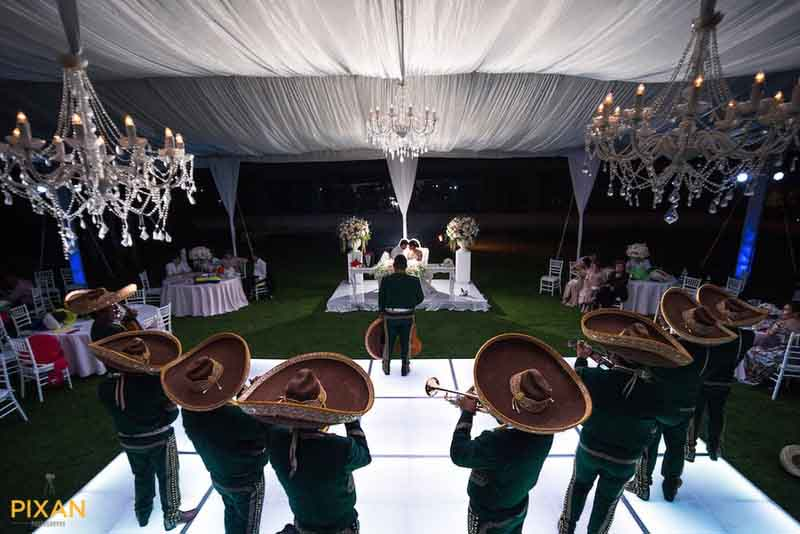 mariachi band at Mexico destination wedding dinner