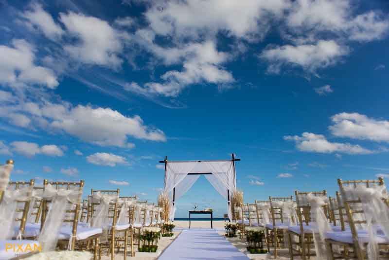beautiful beach wedding decoration