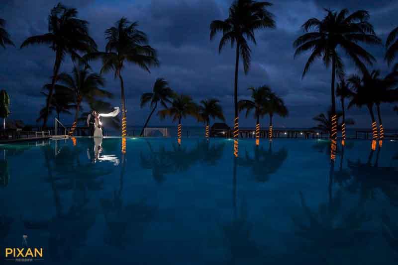 Caribbean sunset bridal photo at Azul 5s Riviera Maya
