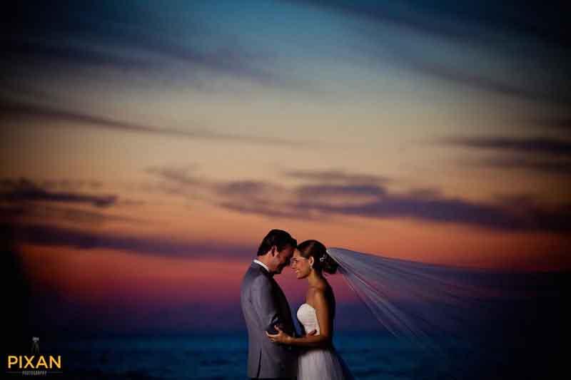 bride and groom at sunset in Puerto Vallarta