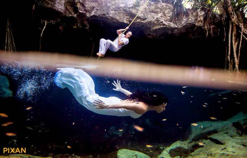 cenote swing and underwater photo