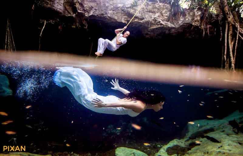 cenote swing and underwater photo