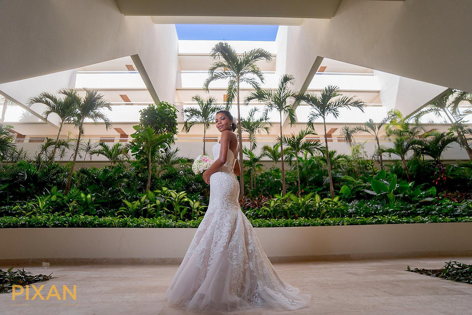 Hyatt Ziva Cancun Bride