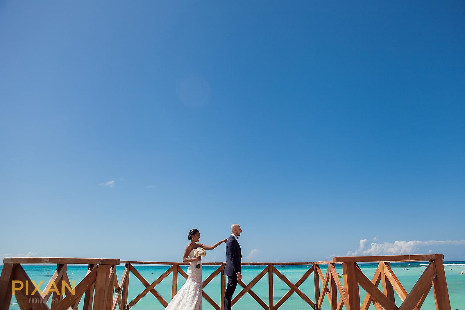 Hyatt Ziva Cancun wedding first look
