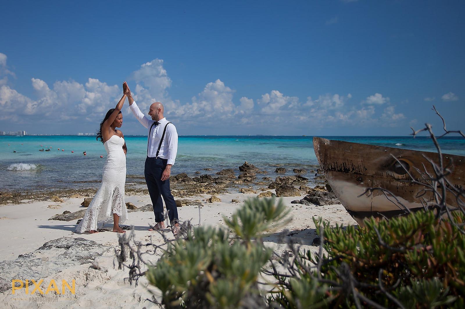 Hyatt Ziva Cancun bridal high 5