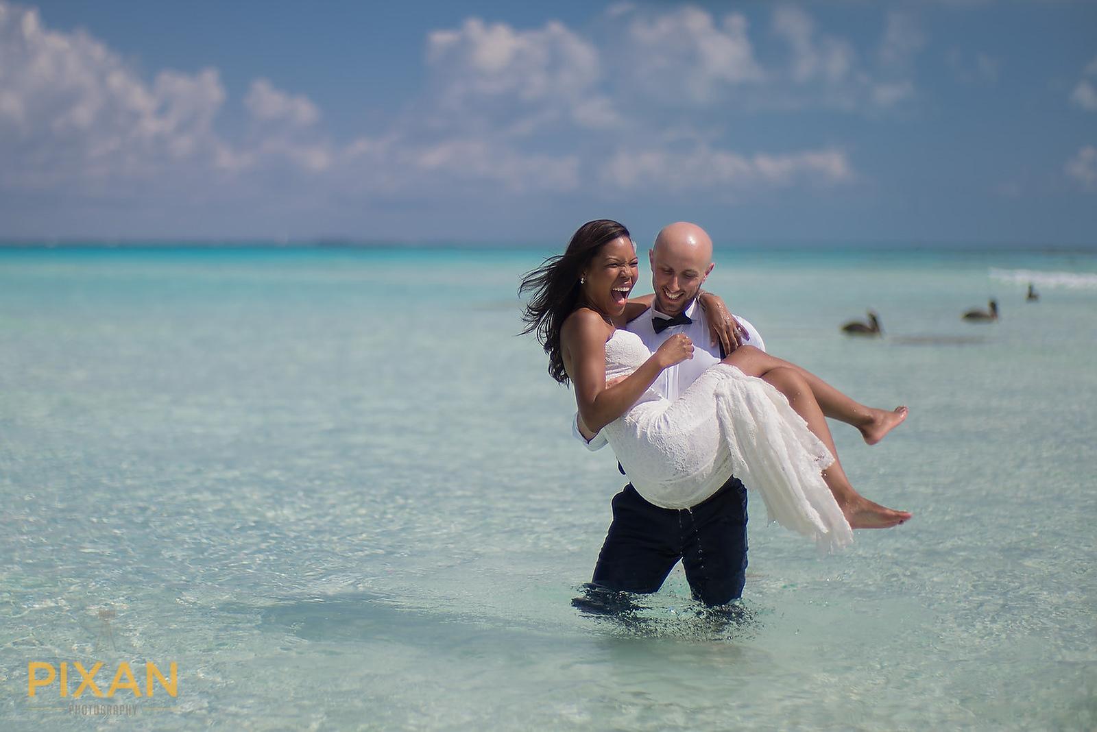 Hyatt Ziva Cancun trash the dress
