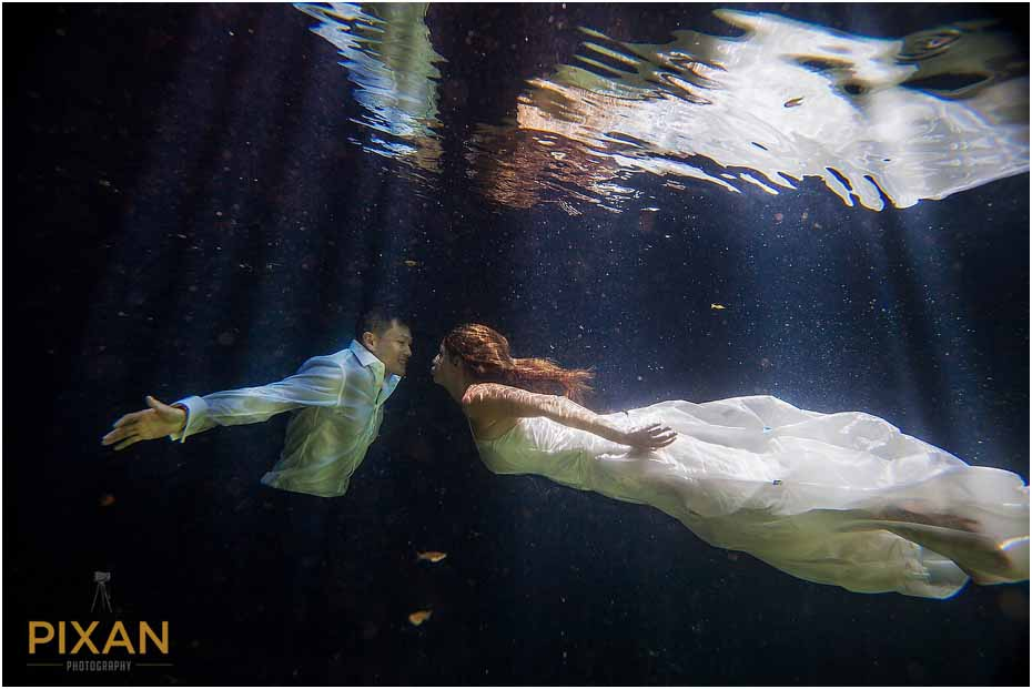 Trash the dress photo shoot Playa del Carmen