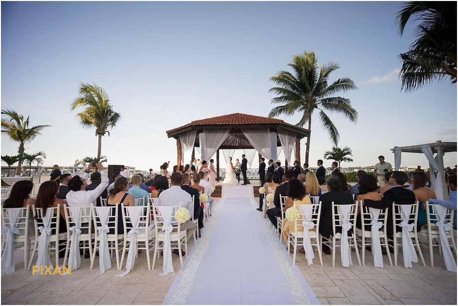 groom photos the royal playa del carmen wedding