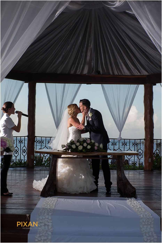 bridal party portraits at the royal playa del carmen wedding