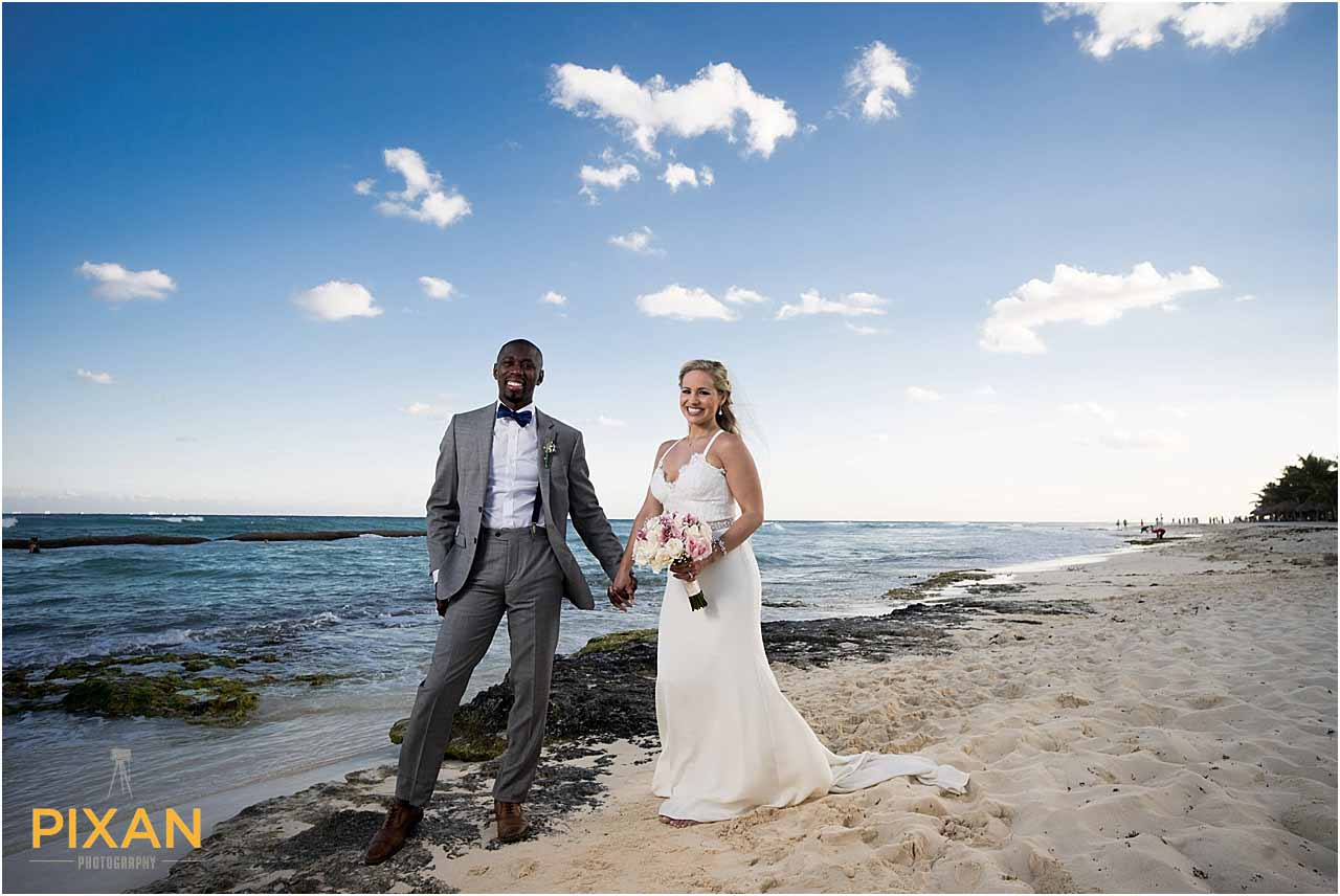 Beach wedding photos Azul Five