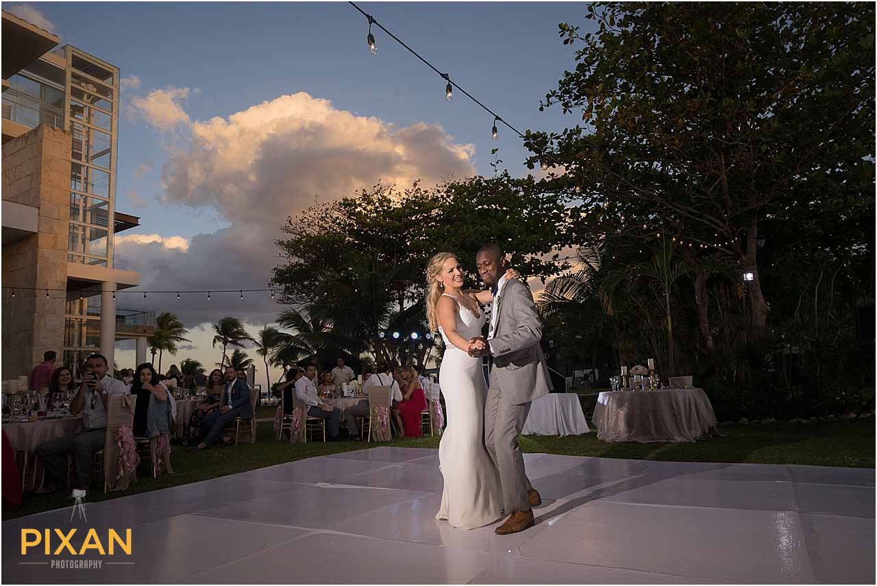 Azul Fives skytop terrace wedding reception