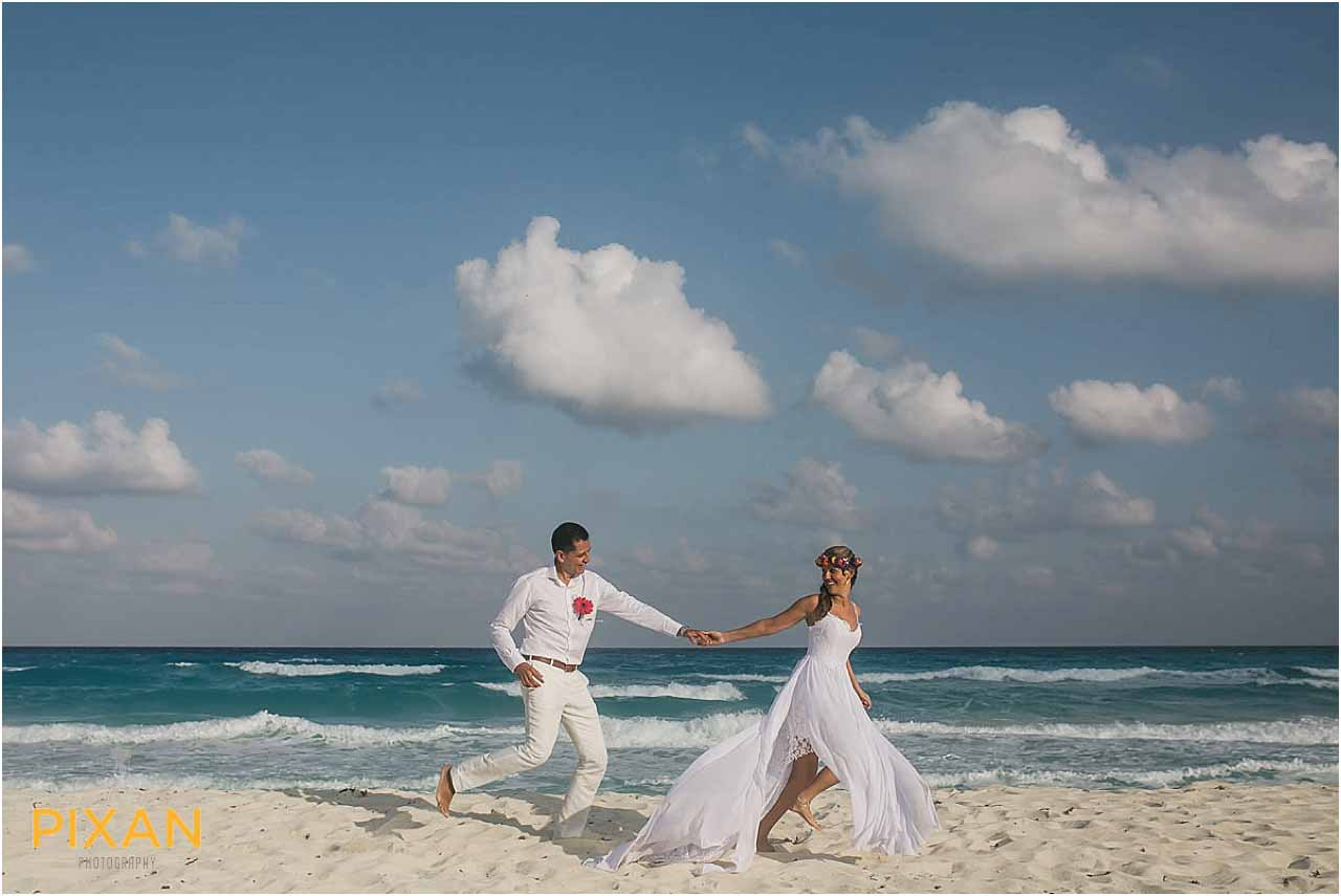 Beach wedding photos Hyatt Zilara Cancun