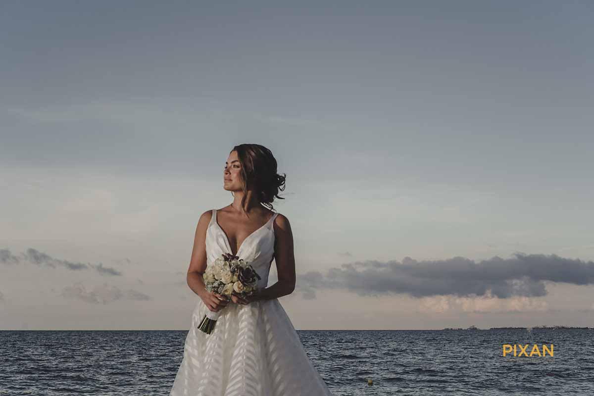 dreams playa mujeres wedding bride on beach