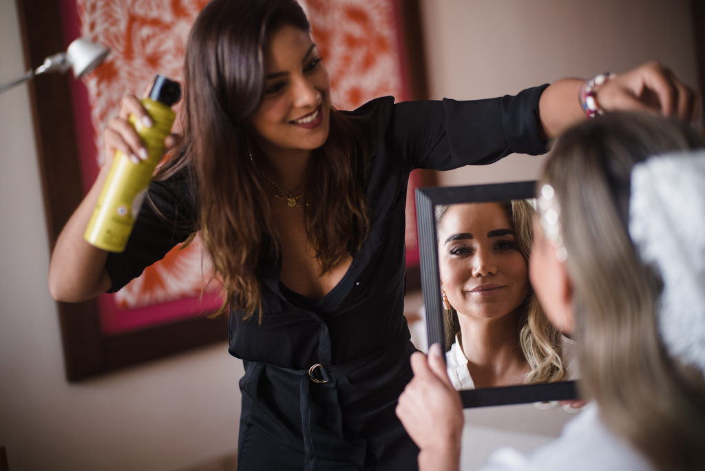 hair and makeup bride mirror