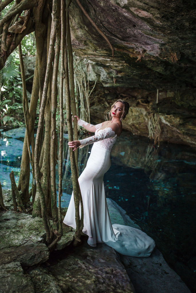 Trash The Dress Cenote brides portrait