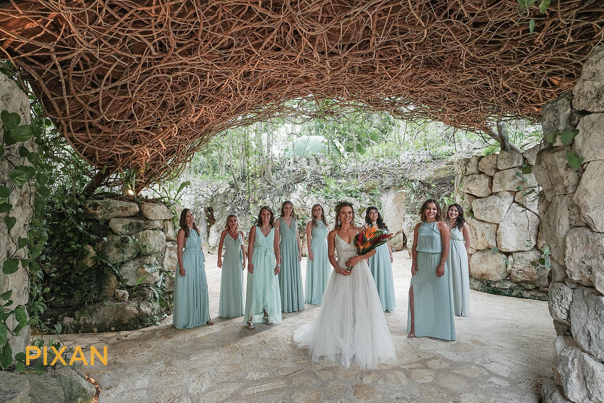 Hotel-Xcaret-Mexico-Wedding-bridsnest-bride-and-bridesmaids