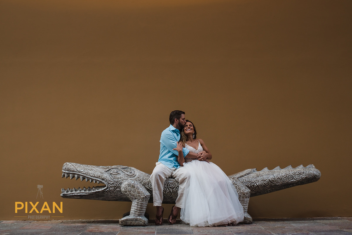 Hotel-Xcaret-Mexico-Wedding-crock-kiss
