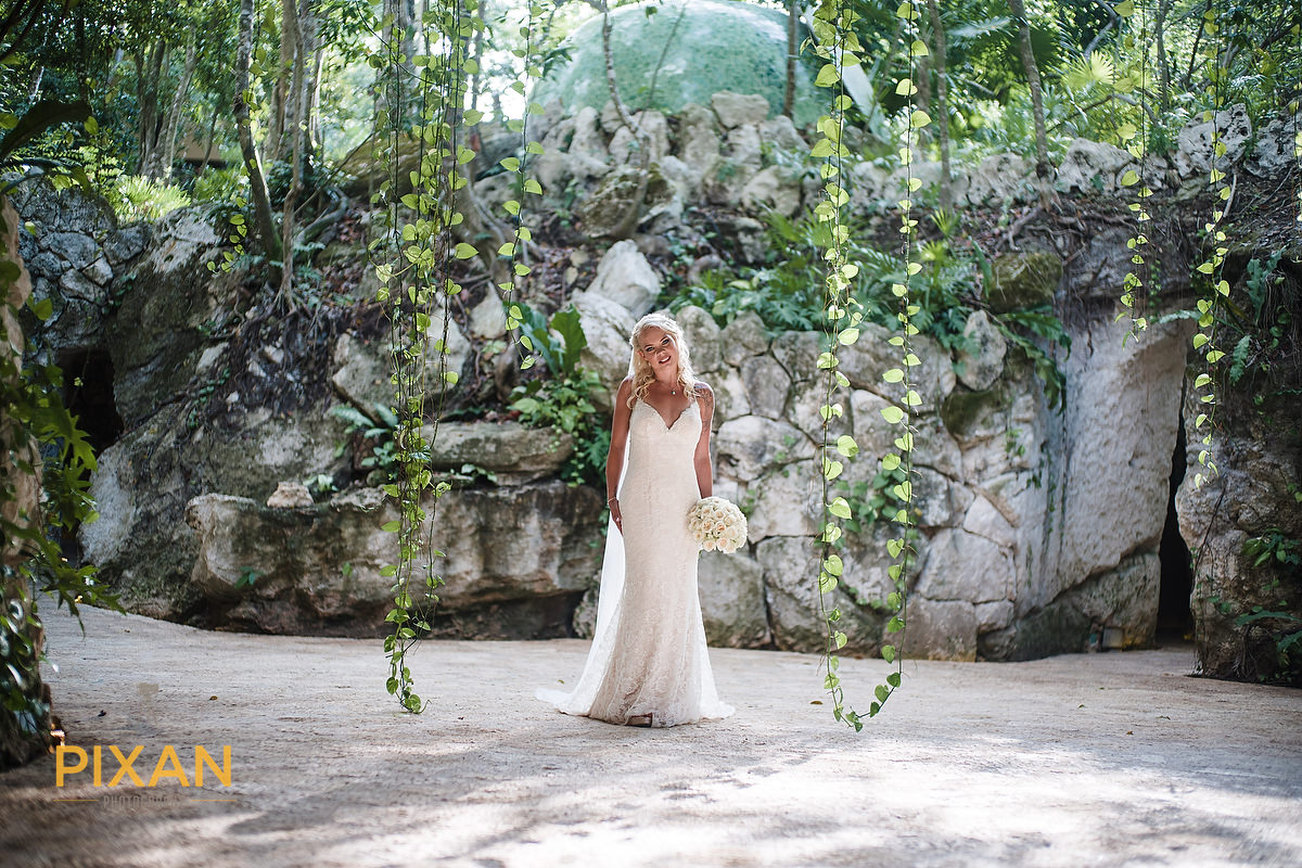 Bride portrait at Hotel Xcaret Mexico Spa birdsnest
