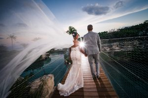 Bridal-Photo-Hotel-Xcaret-Inlet-swingbridge
