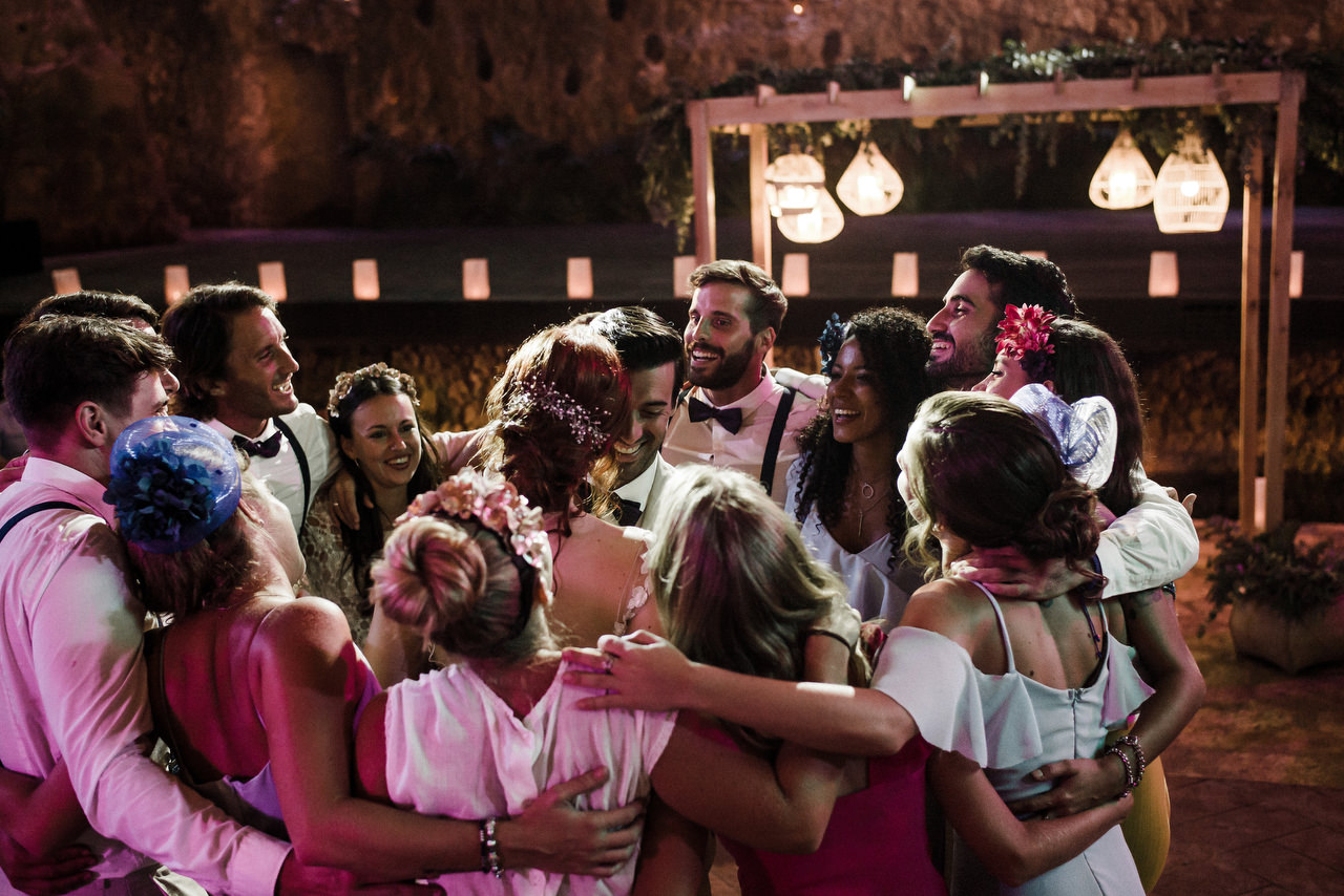 group huge bridal party