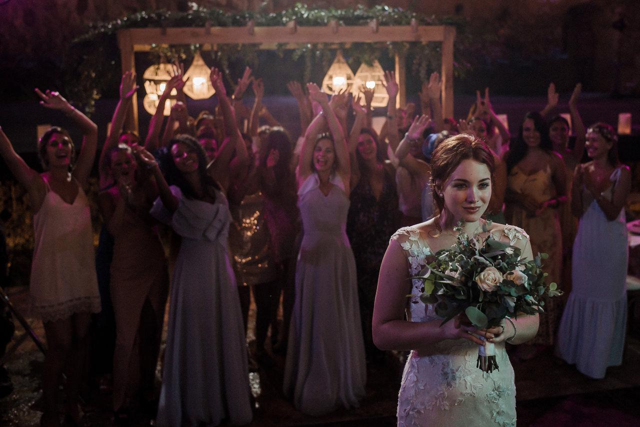 bride's flower toss