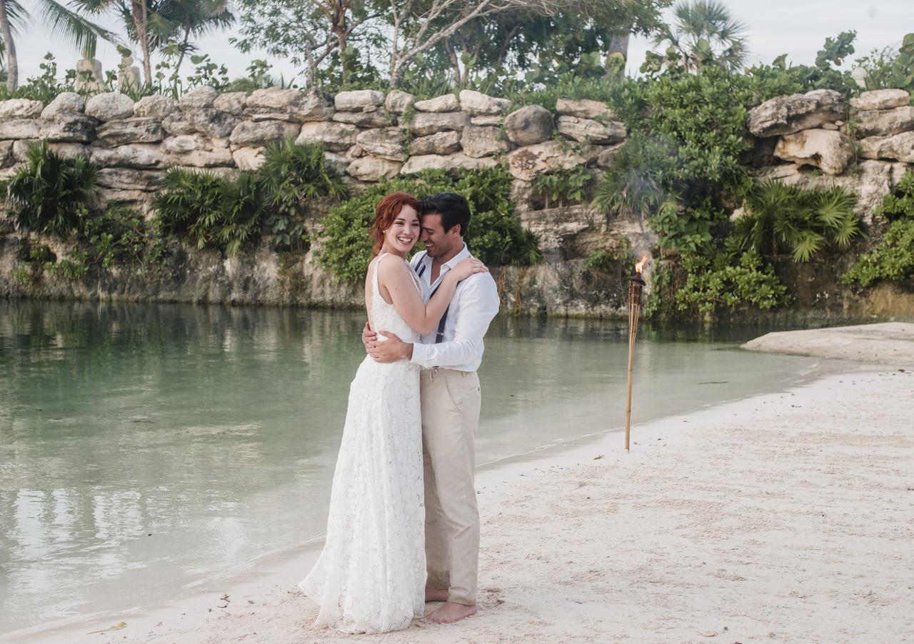 bride and groom inlet waterside
